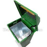 ban thung rac composite co de 60L